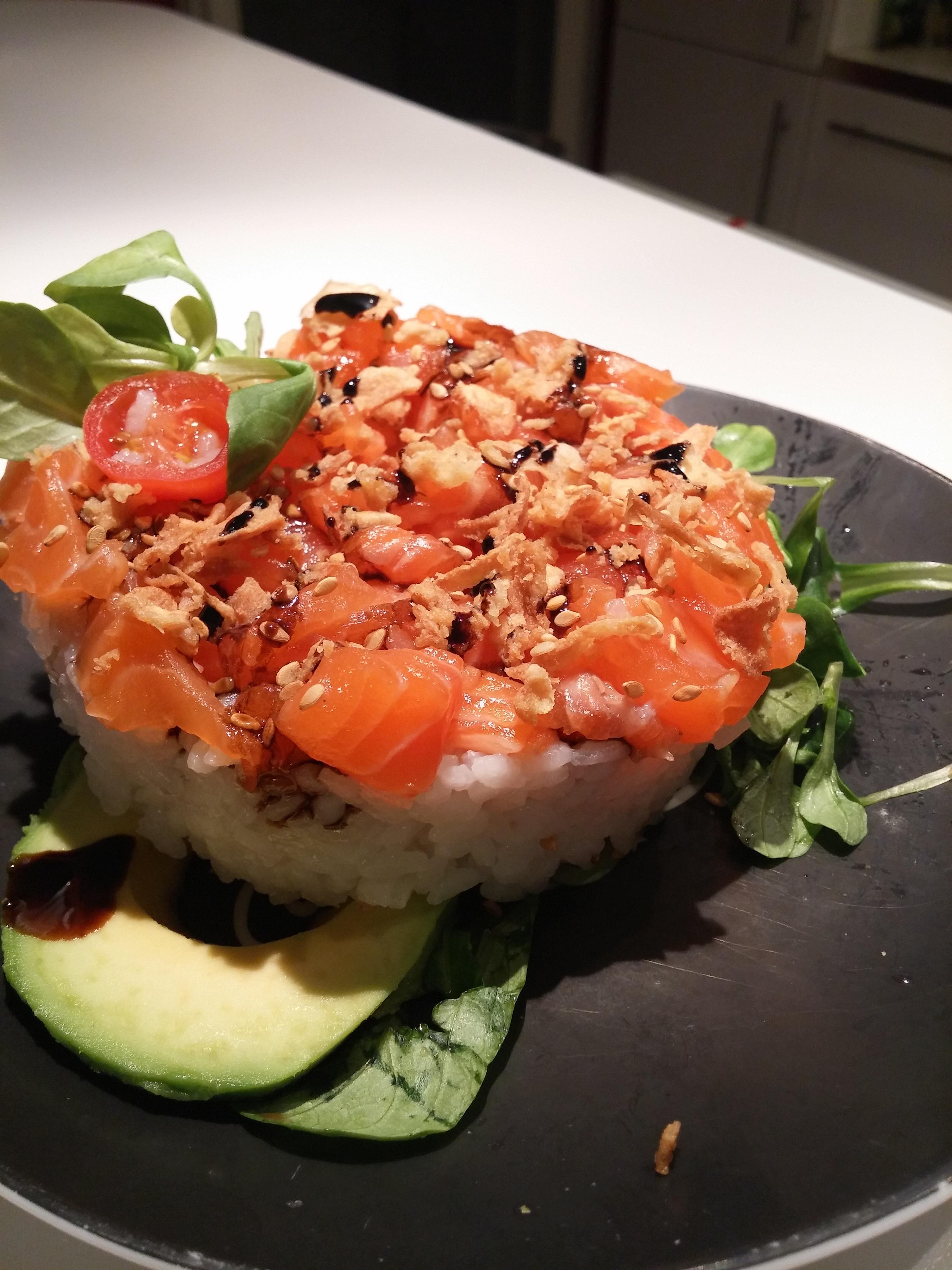 food-truck-sushi-cake